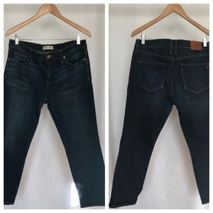 Madewell cropped stretch skinny jeans. Size (32).